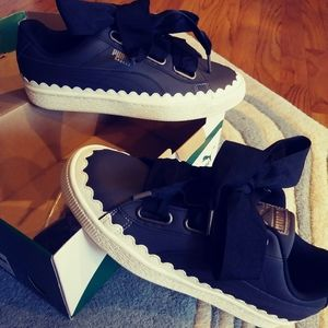 New in box. NWT puma basket heart scallop shoes